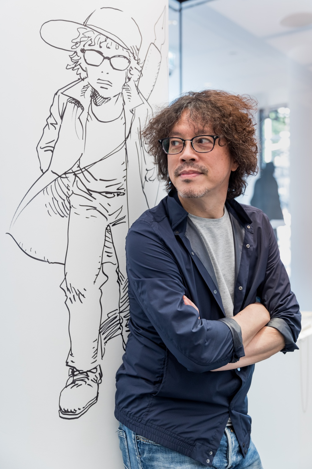 Urasawa Naoki - In London with artwork